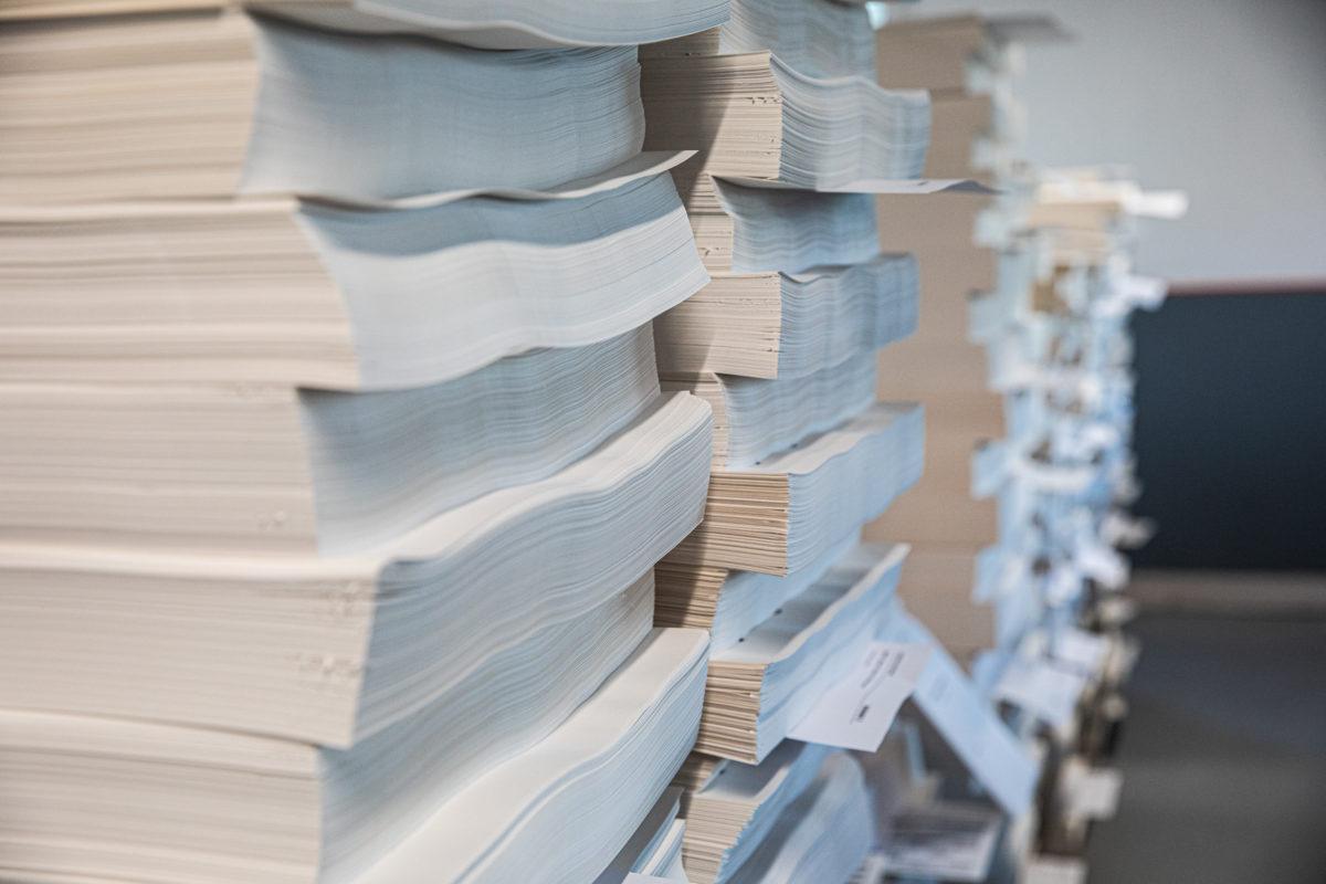 Impression de livres avec différents papiers