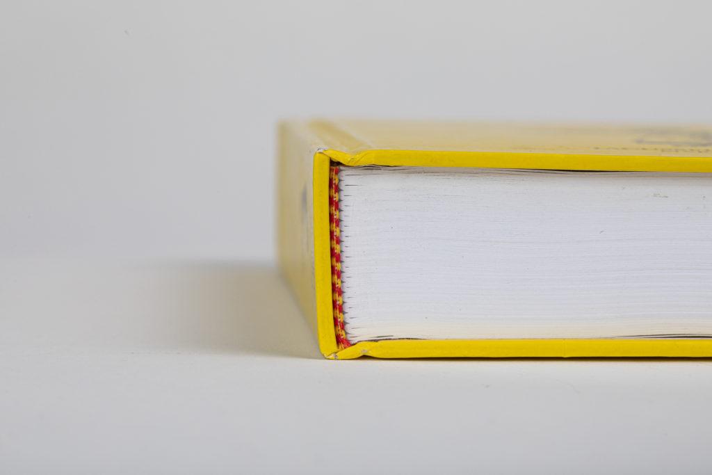 Impression de livres avec différentes reliures